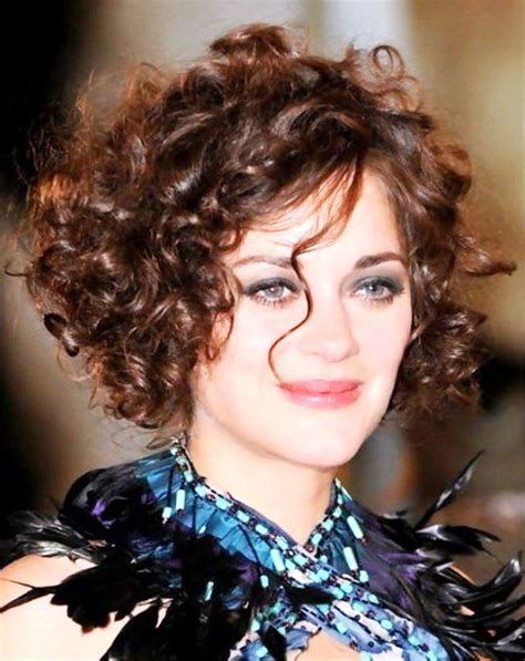 curly hairstyles for round faces 2015 sexy short curly bob new highlighting colors jennifer