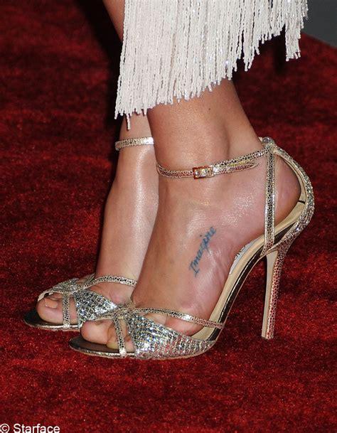 Un tatouage musical   Stars : A qui est ce tatouage ?   Elle