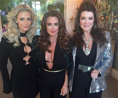 lisa rinna rhobh return begins filming new season irealhousewives the 411 on american international real