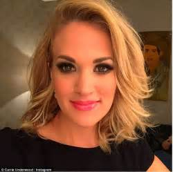 Carrie Underwood Hairstyle by Carrie Underwood Shows New Hairstyle At Grand Ole Opry