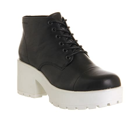 womens vagabond dioon lace up boot black leather white