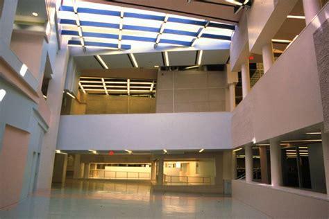 design center cincinnati peter eisenman aronoff center for design and art