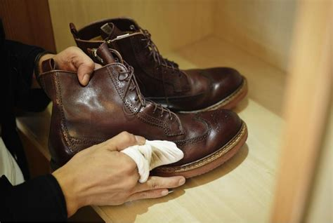 Sepatu Boots Cibaduyut a step by step guide how to clean mold from leather