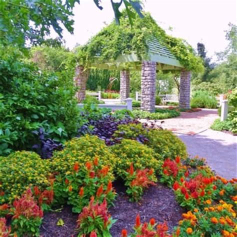 Kentucky Botanical Gardens The Arboretum State Botanical Garden Of Kentucky 132 Photos 35 Reviews Parks 500 Alumni