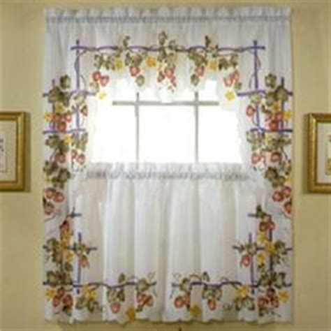 French Country Kitchen Curtains There S No Place Like Strawberry Kitchen Curtains