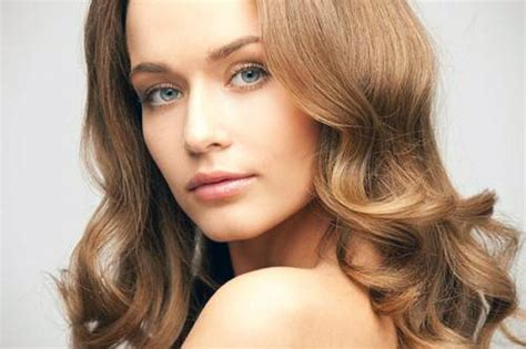 long layered hsir with waves around face layered haircuts for long hair round face pictures
