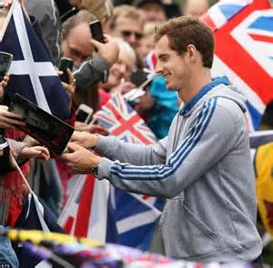 golds fan hours grand slam chion andy murray receives a s welcome