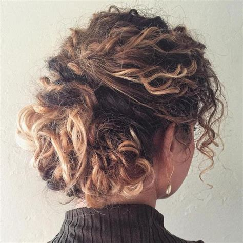 pin curls on a bob 25 best ideas about naturally curly bob on pinterest