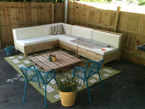 pinterest pallet sofa cedar lane