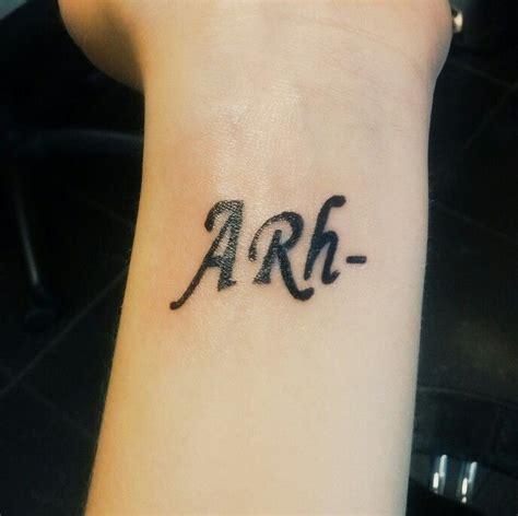 blood type tattoo tatoo blood type enjoy blood types