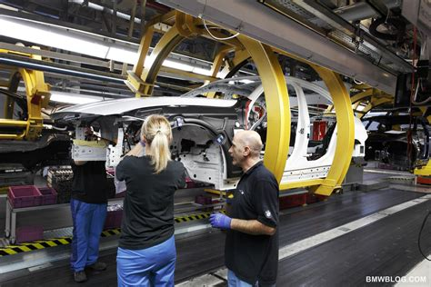 bmw factory assembly line bmw photo gallery