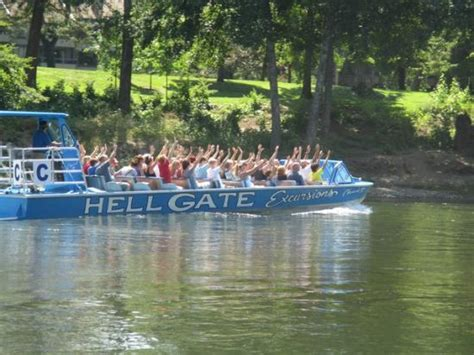 rogue river boat trips grants pass hellgate jetboats grants pass or picture of hellgate