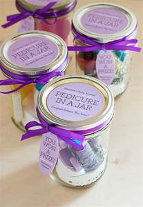 bridal shower gift ideas for guests baby shower prizes on