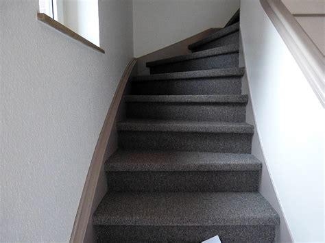 treppe mit teppich teppich auf treppe verlegen haus dekoration