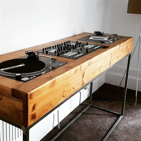 Wooden Dj Table by Best 25 Dj Table Ideas On Dj Booth Dj Stand