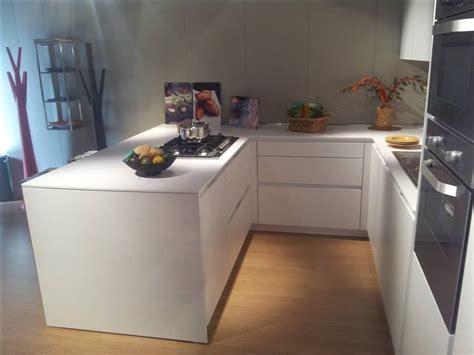 cucine ad angolo con penisola cucina snaidero modello orange ad angolo con penisola
