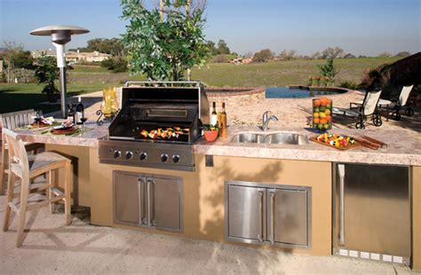 outdoor kitchens appliances outdoor kitchen must have appliances outdoortheme com