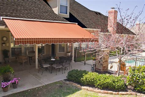 Shade Awnings Custom Built Retractable Awnings By Rainier Shade