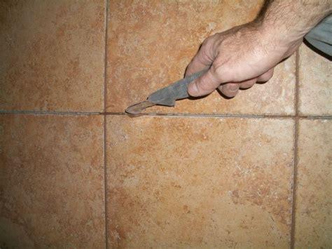 stucco piastrelle come rinnovare le fughe tra le piastrelle pulizia