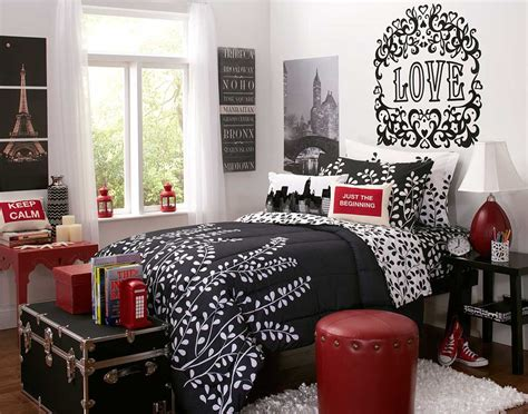 black and red rooms interior design of bedroom in black and red decobizz com
