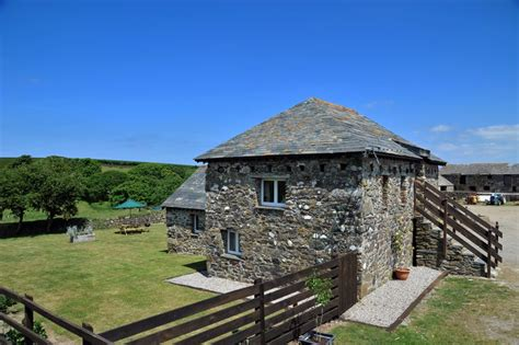 cottage port isaac self catering homes in