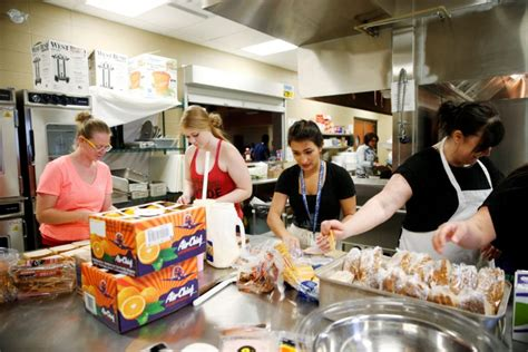 Kitchen Fort Mcmurray Size Of Fort Mcmurray Grows As Fast As Losses Mount