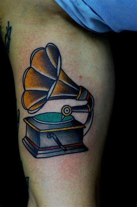 player tattoo designs phonograph record player www pixshark