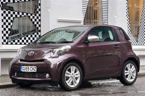 pictures of toyota cars toyota iq city car pictures carbuyer