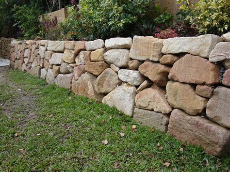 Rock Garden Wall Australian Retaining Walls Placed Sandstone Rock Retaining Wall Ashmore Australian