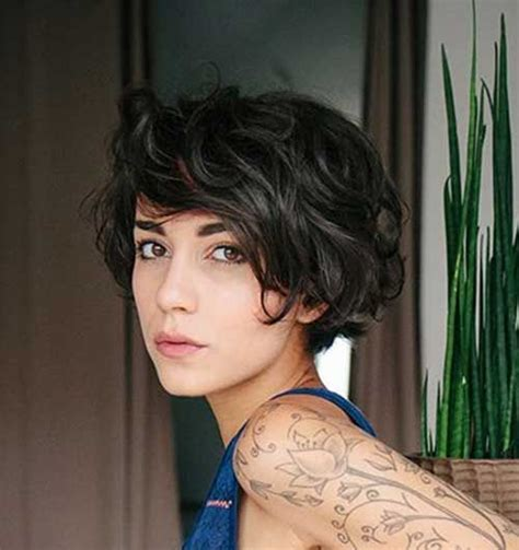 is short hair right for a person with a double chin 20 short hairstyles for wavy fine hair short hairstyle