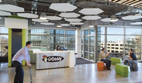 Des Office Locations by Inside Godaddy S Sunnyvale Offices Officelovin