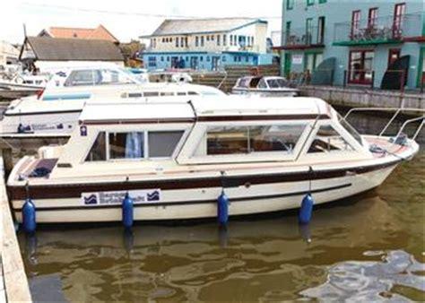 boat shop wroxham boating holidays barnes brinkcraft wroxham norwich