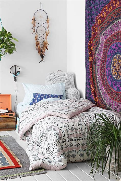 bohemian bedrooms make a bohemian bedroom in 8 easy steps the interior