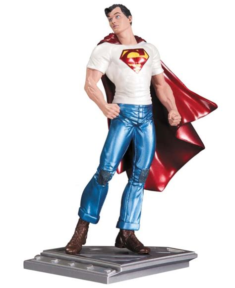 Kaos Superman Of Steel Edition 17 statuette superman the of steel rags morales 17 cm