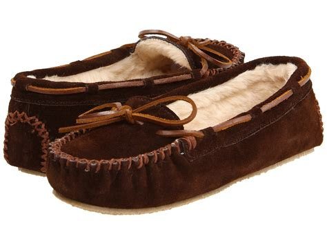 minnetonka slippers men shipped free at zappos minnetonka cally slipper chocolate suede zappos com free