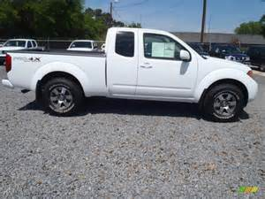 Nissan Frontier King Cab Pro 4x Avalanche White 2012 Nissan Frontier Pro 4x King Cab 4x4