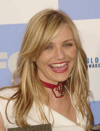 curl side bangs vertically cameron diaz see her beauty transformation through the