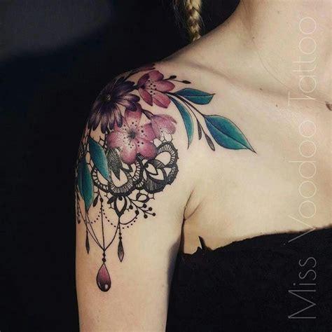 tatuaggi con fiori di ciliegio oltre 25 fantastiche idee su tatuaggi con fiori di