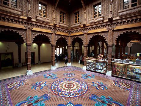 Foyer Interior by Baps Shri Swaminarayan Mandir London