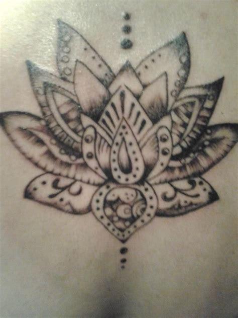 imagenes de yoga para tatuaje tatuaje flor de loto tint art pinterest