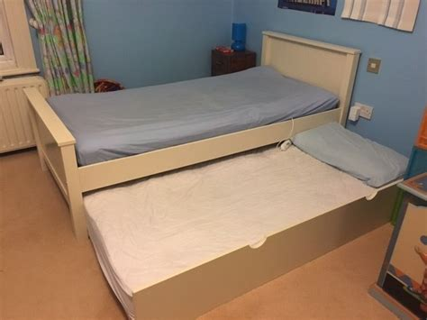 Bed With Pull Out Bed Underneath by Single Bed With Pull Out Bed Underneath Shaker Style