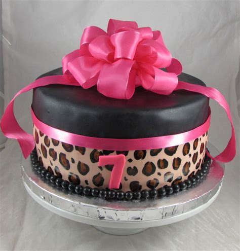 leopard birthday cake hot pink leopard print birthday cake cakecentral com