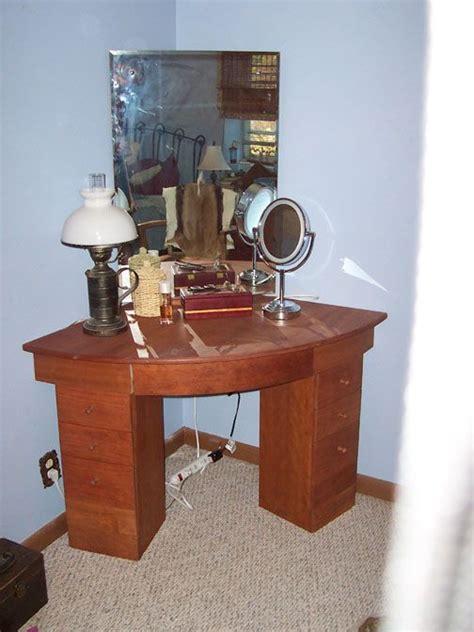 Corner Vanity Table 17 Best Images About Ideas For The House On Pinterest Corner Makeup Vanity Corner Dressing