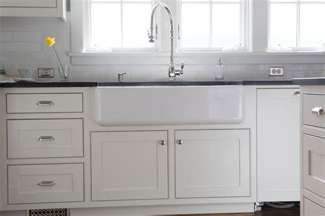 Kitchen Cabinet Faces Traditional White Kitchen Cabinets With A Farm Sink These Cabinets Are A Frame Cabinet