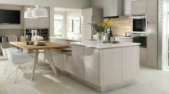 Kitchen Cabinet Pull Handles by Solo Gloss Cashmere Kitchen Modern Lines Amp Neutral