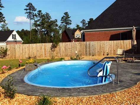 Small Inground Pool Benefits And Difficulties Backyard Small Backyard Inground Pools