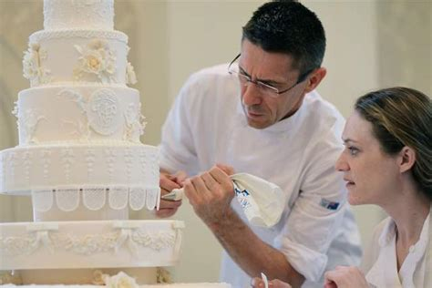 Wedding Cake Bakers by 6 Tips To Choose The Best Wedding Cake Bayanmall