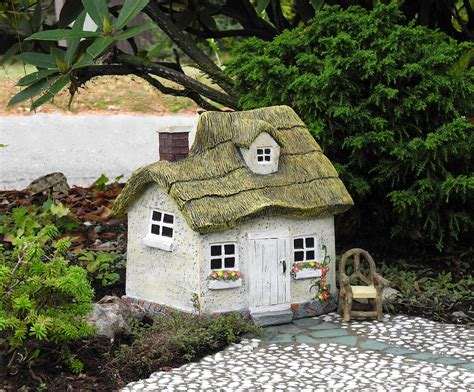 Working with mini and fairy houses in the miniature garden the mini
