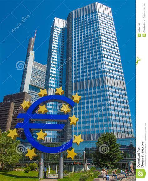 bance centrale europea centrale europea a francoforte fotografia editoriale