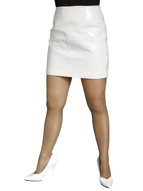 patent leather mini skirt or white tout ensemble